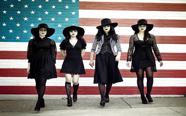 2011 - Black Belles